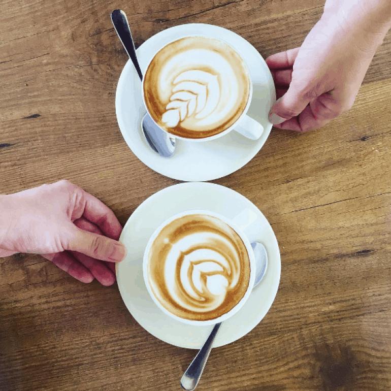 פגישה לקפה - צרי קשר